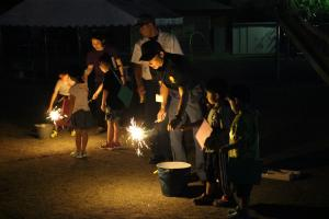『消防の方の花火指導』の画像