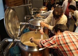 応援団オフ会でオリジナルビール作り
