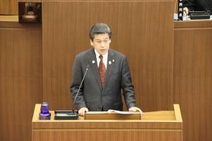 本会議市長写真