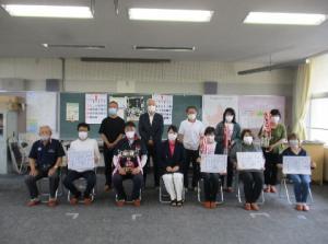 表彰式典での記念撮影(6/19).
